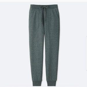 Uniqlo • Grey Fleece Sweatpants